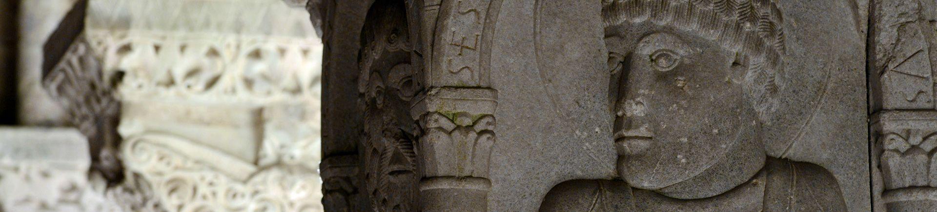 Détail chapiteau - Cloître de l'abbaye de Moissac